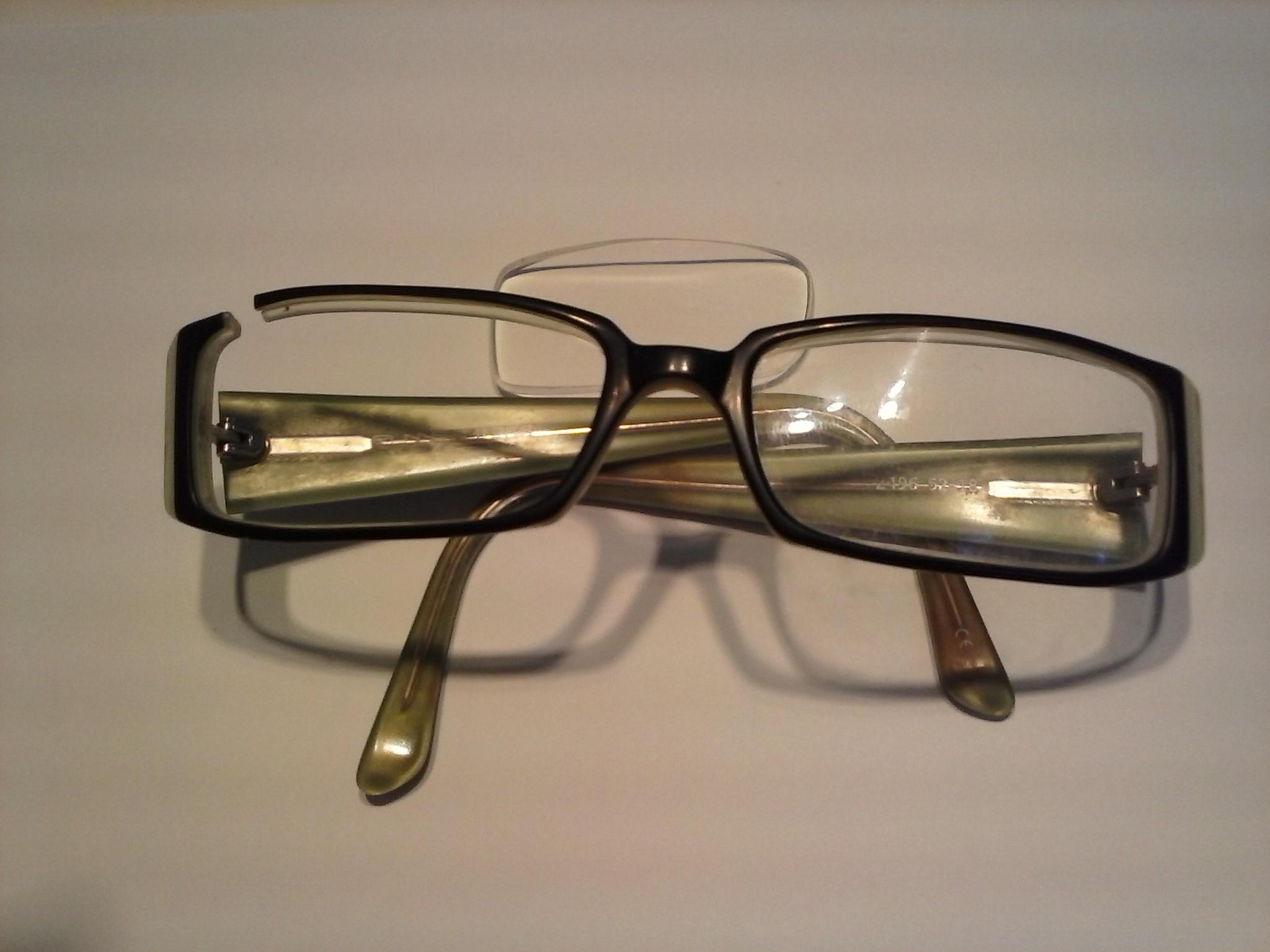 Te informamos de cómo arreglar gafas de pasta o metal rotas ...