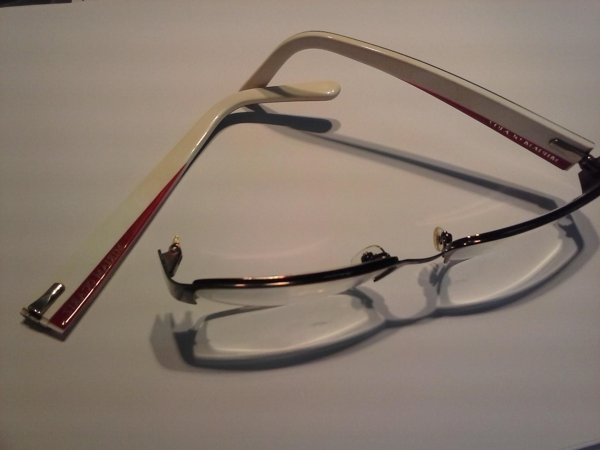 2ba013a98e Te informamos de cómo arreglar gafas de pasta o metal rotas ...